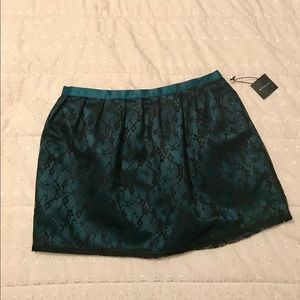 Lace Overlay Skirt Size S/P